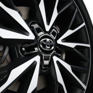 Toyota C-HR (2017-Present) Centre Cap - Plastic - Glossy Black & Chrome PW45810000
