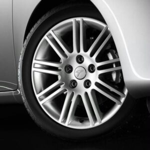 """Toyota Avensis (2003-2009) Pitlane I 18"""" Silver PZ439X0679ZC"""